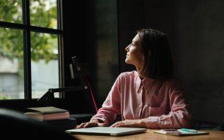escritores científicos freelance